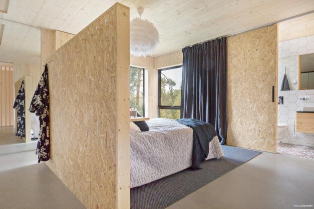 Master bedroom med separat wc/dusch