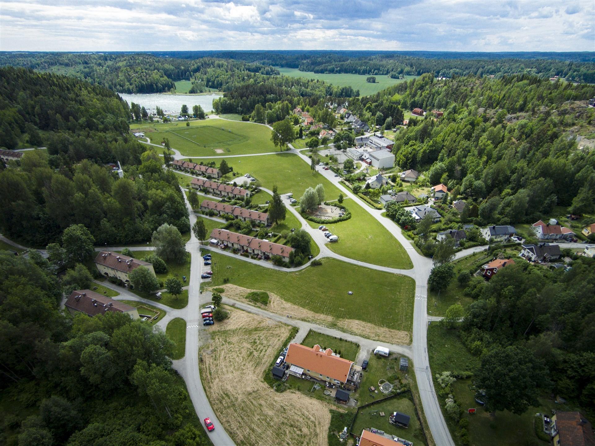 Flygfoto över Brf Vika Strand innan produktionsstart.