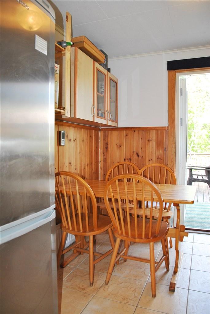 Matplats kök (utgång från kök till altanen)
