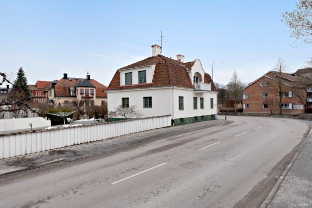 Hyresfastighet med 3 lägenheter  - belägen i centrala Enköping!