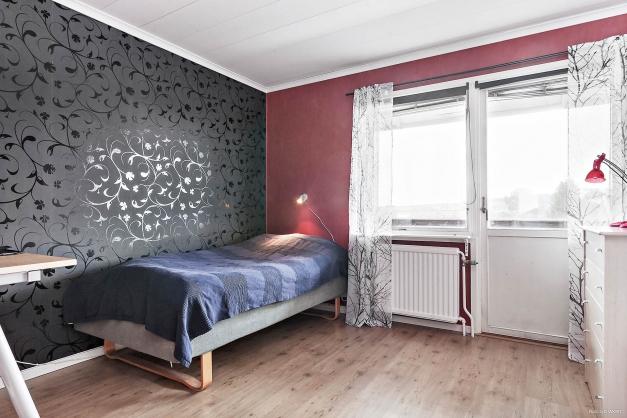 Sovrum, även det har utgång till balkongen