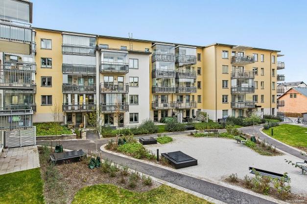 Inglasad balkong 10 kvm mot innergården