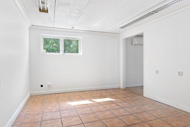 Rum 3 entréplan ( tidigare kontor)