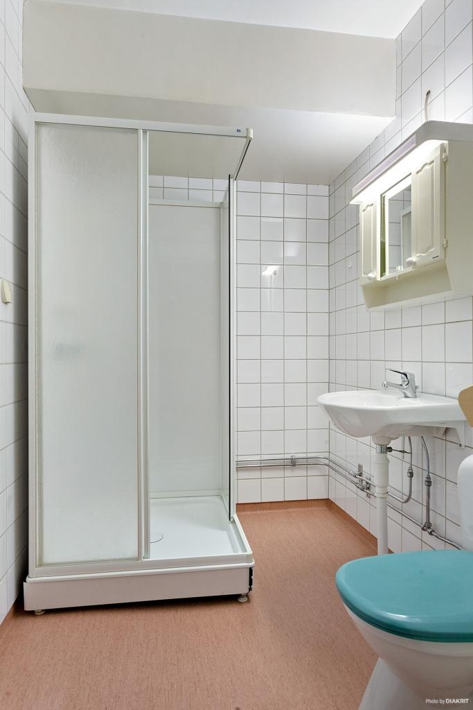 Duschrum med duschkabin