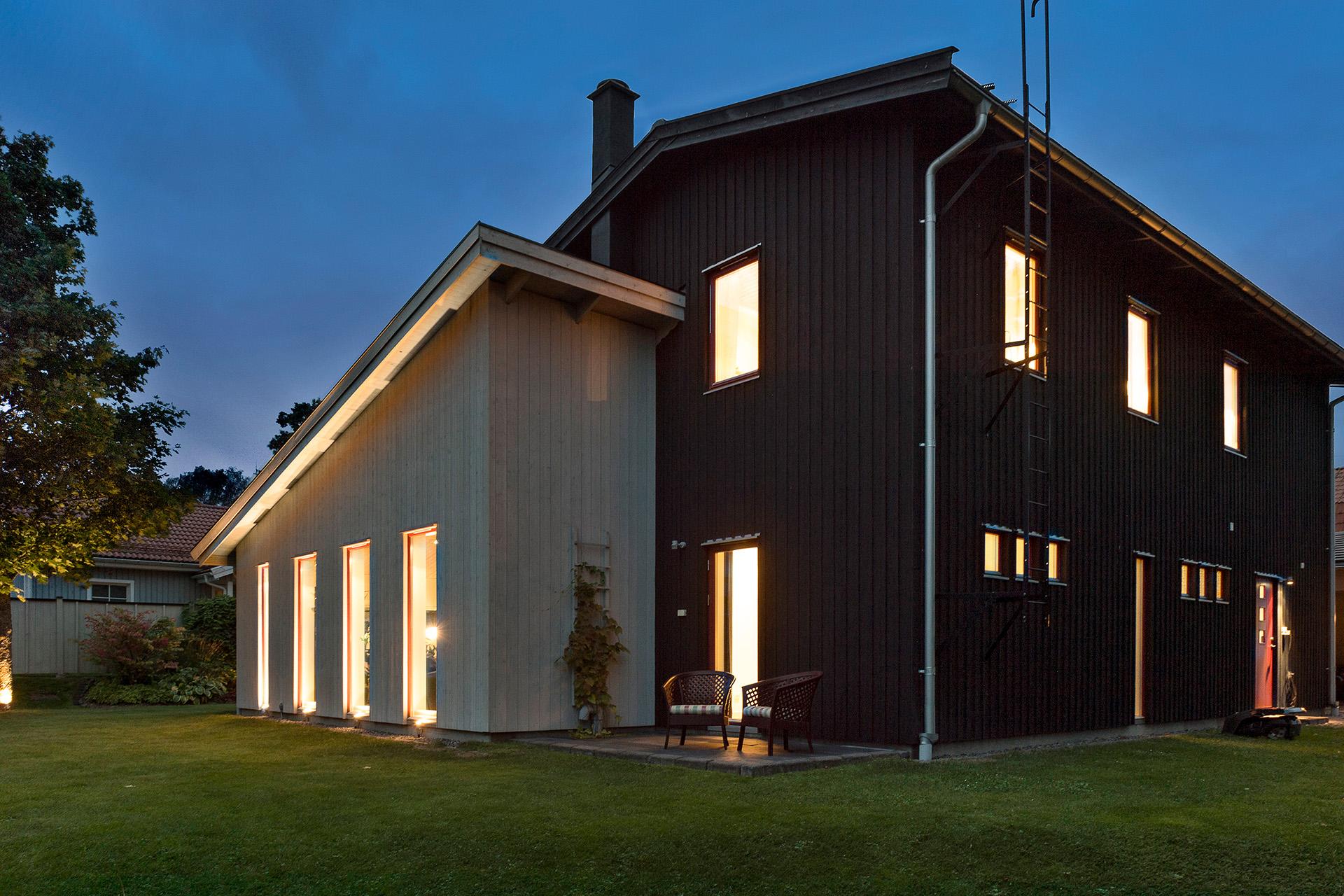 Påkostad fasad-och utebelysning