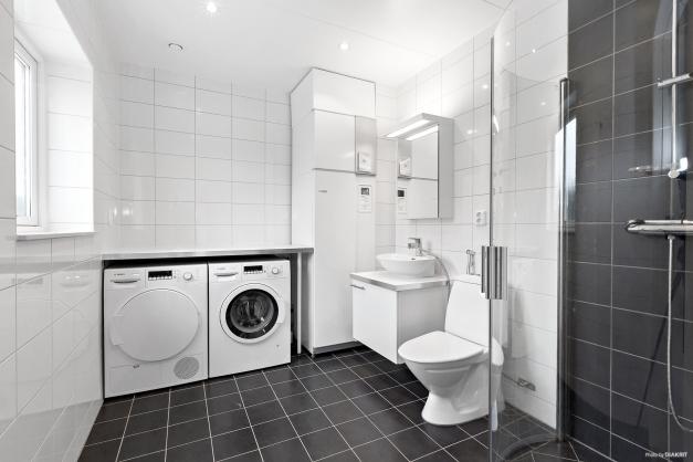 Entréplan - duschrum/tvätt