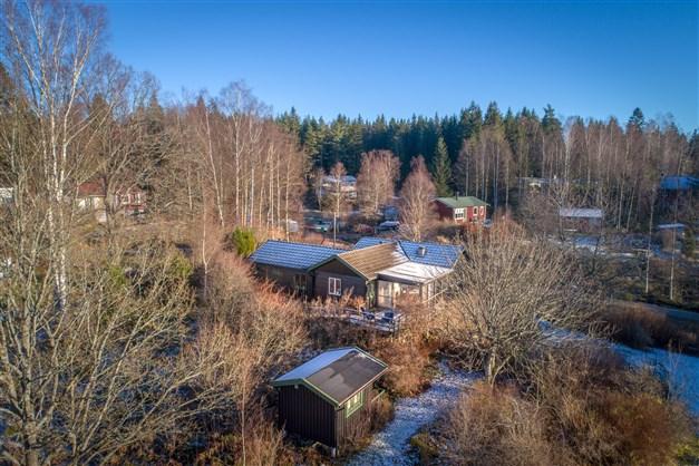 Stor trädgårdstomt och Lillstuga