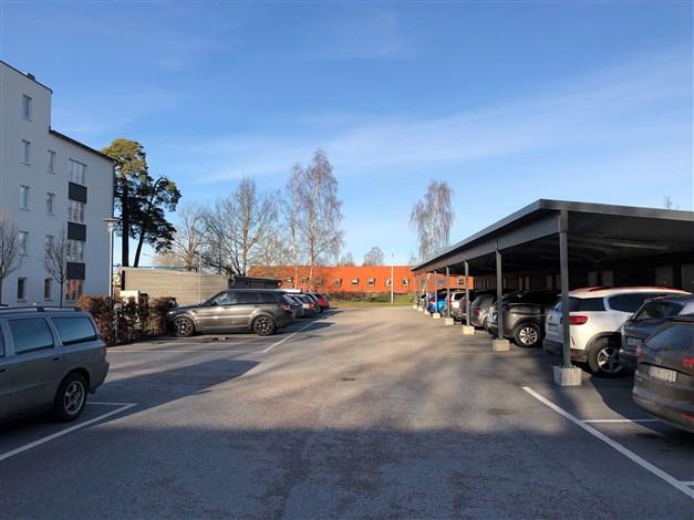 Carport och parkering