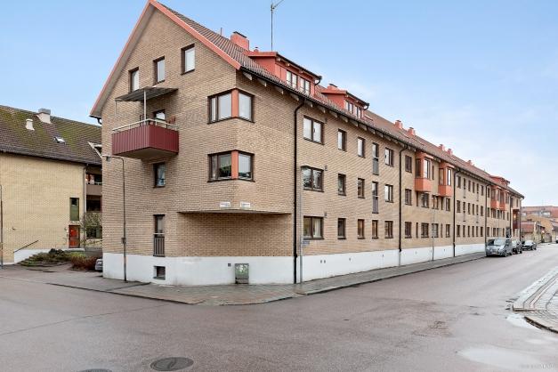 Centralt läge med ett stenkast till ån, Stora Torget, butiker och restauranger.