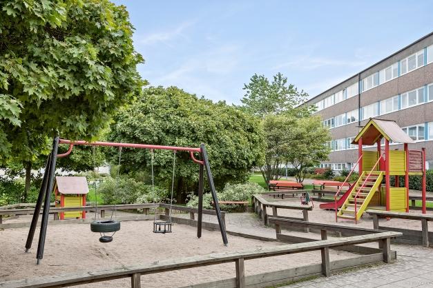 Lekplats på gården vid Västra Annebergsvägen