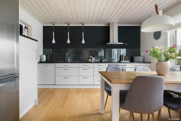Mer av det renoverade köket