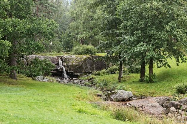 I närheten finns fina omgivningar med trevliga grönområden