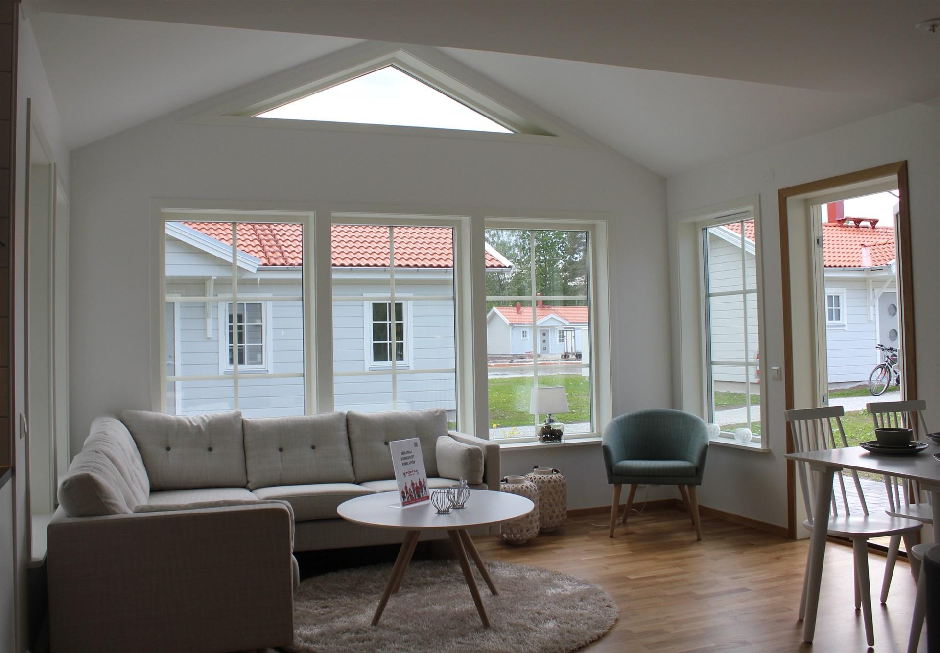Vardagsrum med ryggåstak