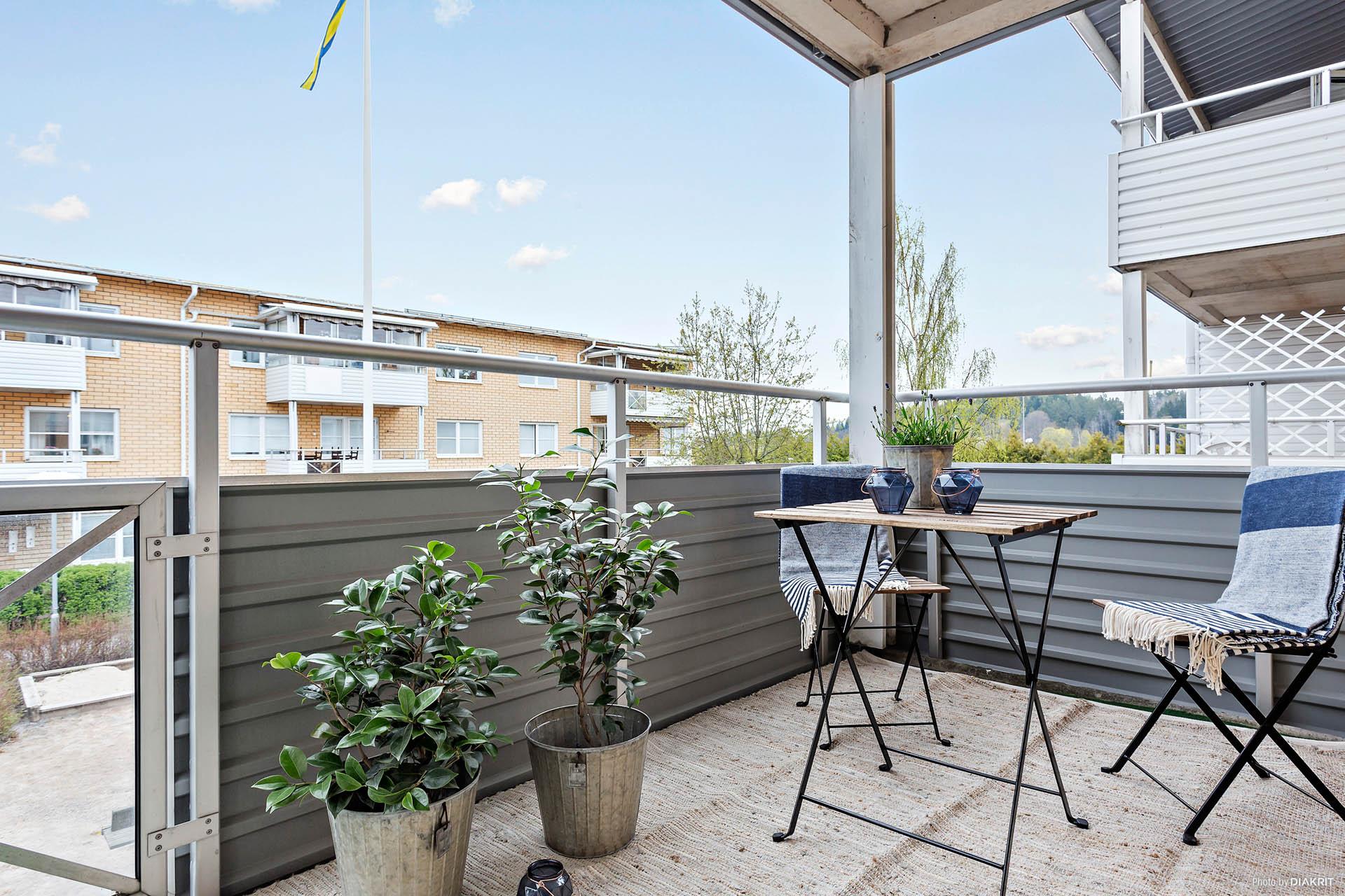 Härlig balkong med utsikt över Societetsparken