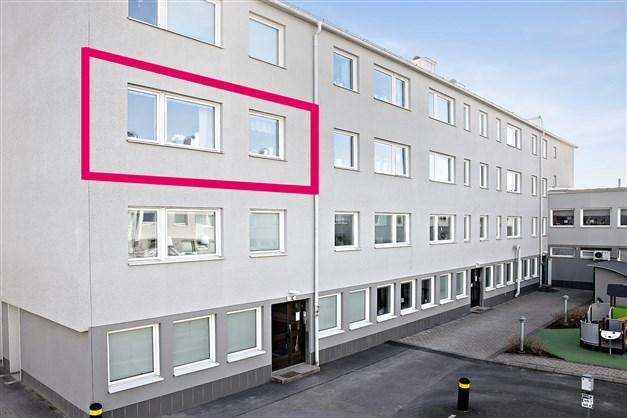 Lägenheten är belägen på tredje våning