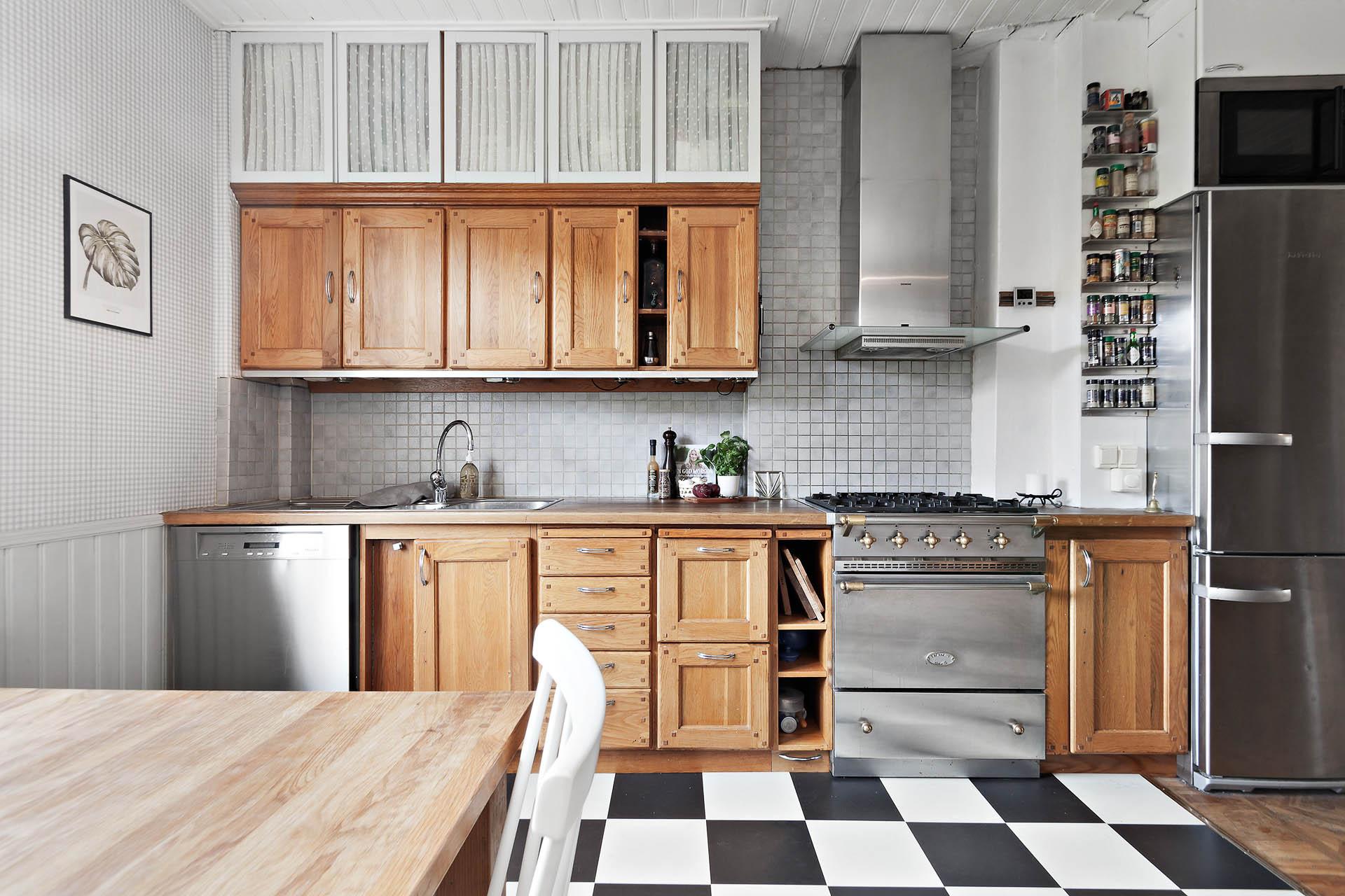 Unikt kök i massiv ek tillverkade av en snickare.