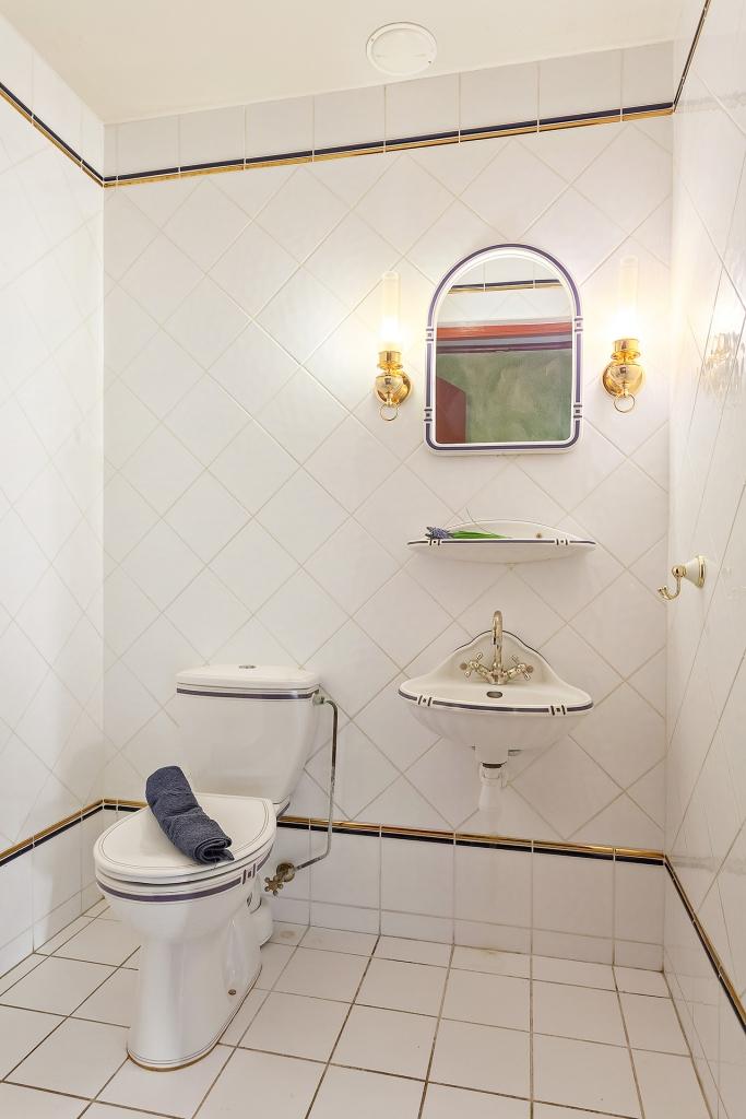 Toalett på bottenplan