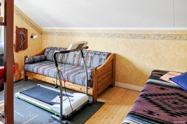 Sovrum 2 på övervåning.