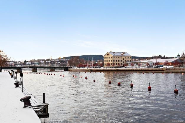 Lägenheten ligger nära Skeppsbron och vattnet