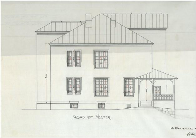 Fasad mot Väst 1900 tal, numera veranda inbyggd med 3 glas aluminium med spröjs