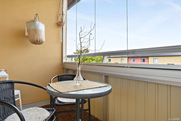Inglasad balkong i väster