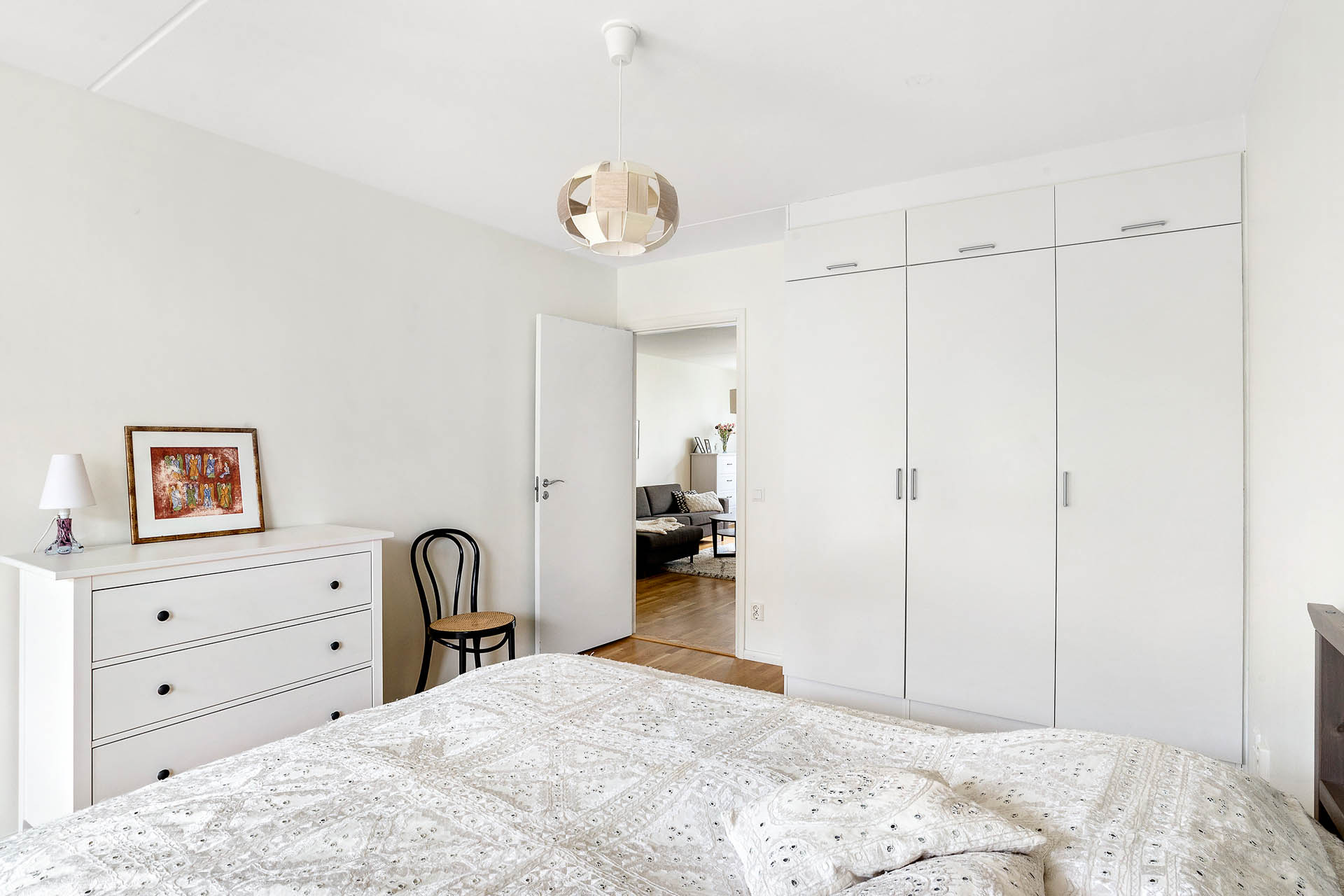 Sovrum Två - Master bedroom