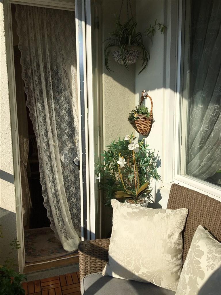 Härlig sommarbild på balkongen