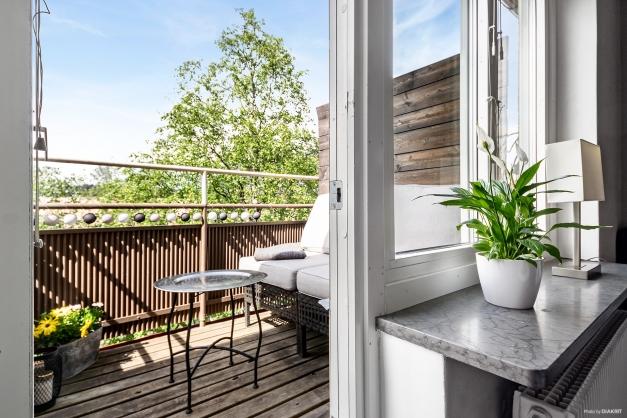 Härlig balkong i högt fritt läge.