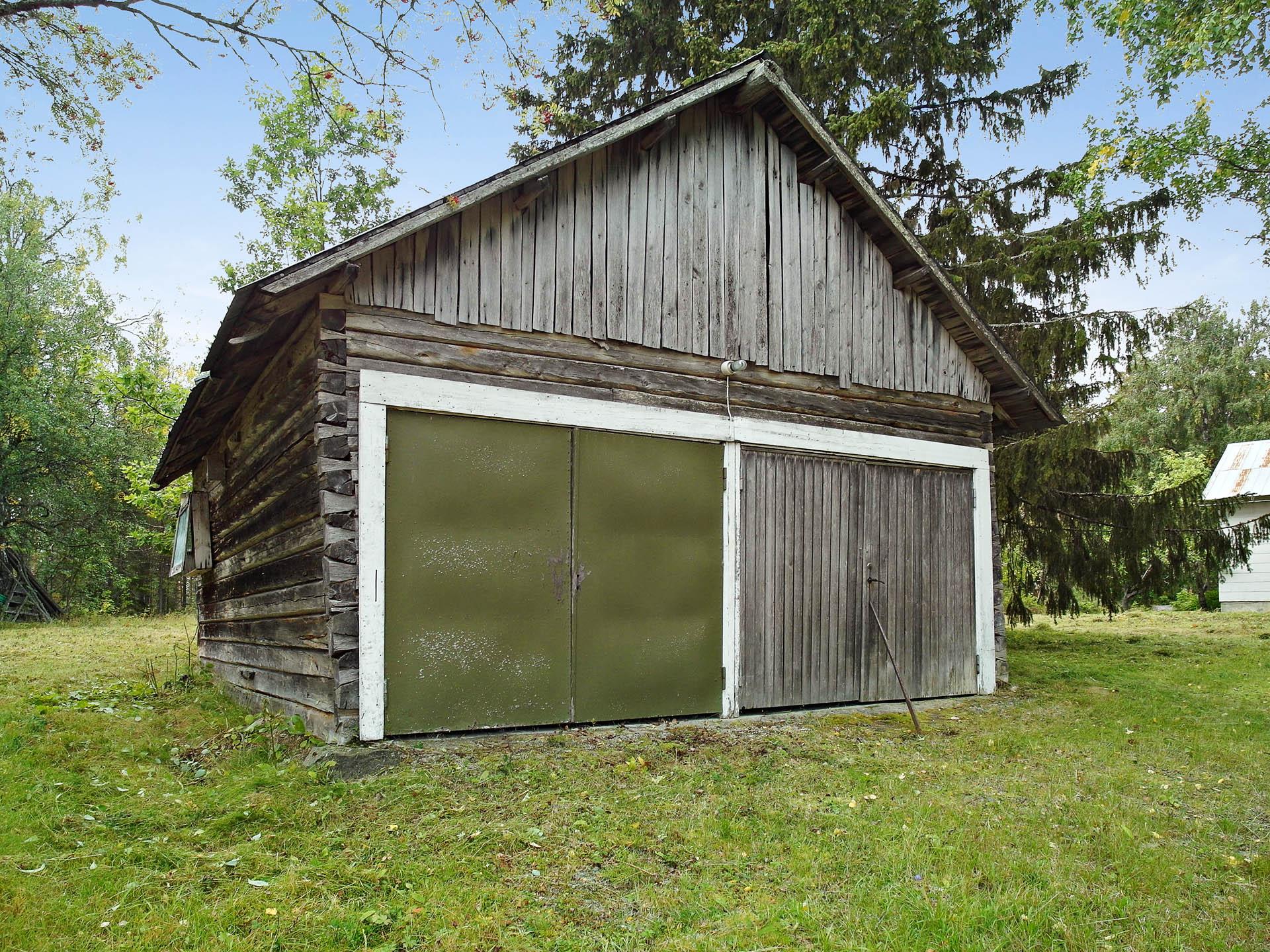 Garagebyggnad.