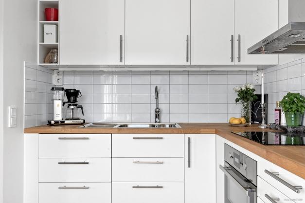 Stilrent och modernt kök totalrenoverat 2016.