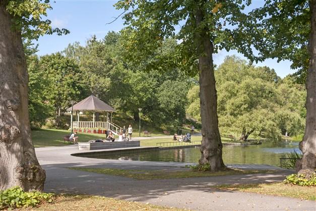 Långbroparken - en älskad grön oas