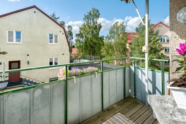 Rymlig balkong i väster läge