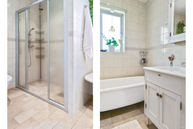 Dusch- och badrum på entréplan.