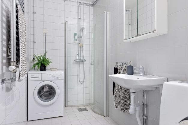 Stambytt badrum i ljusa, fina färger.
