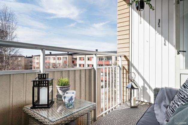 Balkong med sydvästläge och fri utsikt
