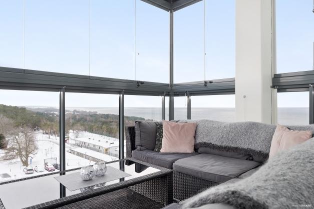 Stor inglasad balkong