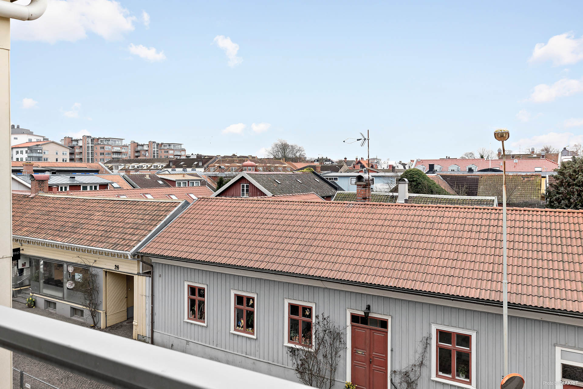 Utsikt över takåsarna från balkongen