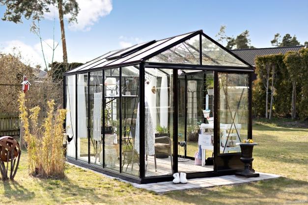 Det nya växthuset ingår inte i köpet (det gamla ingår dock)