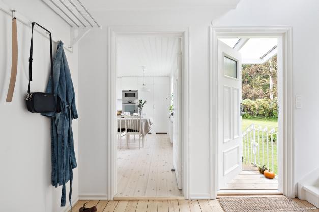 Välkomna in i detta charmiga hus!