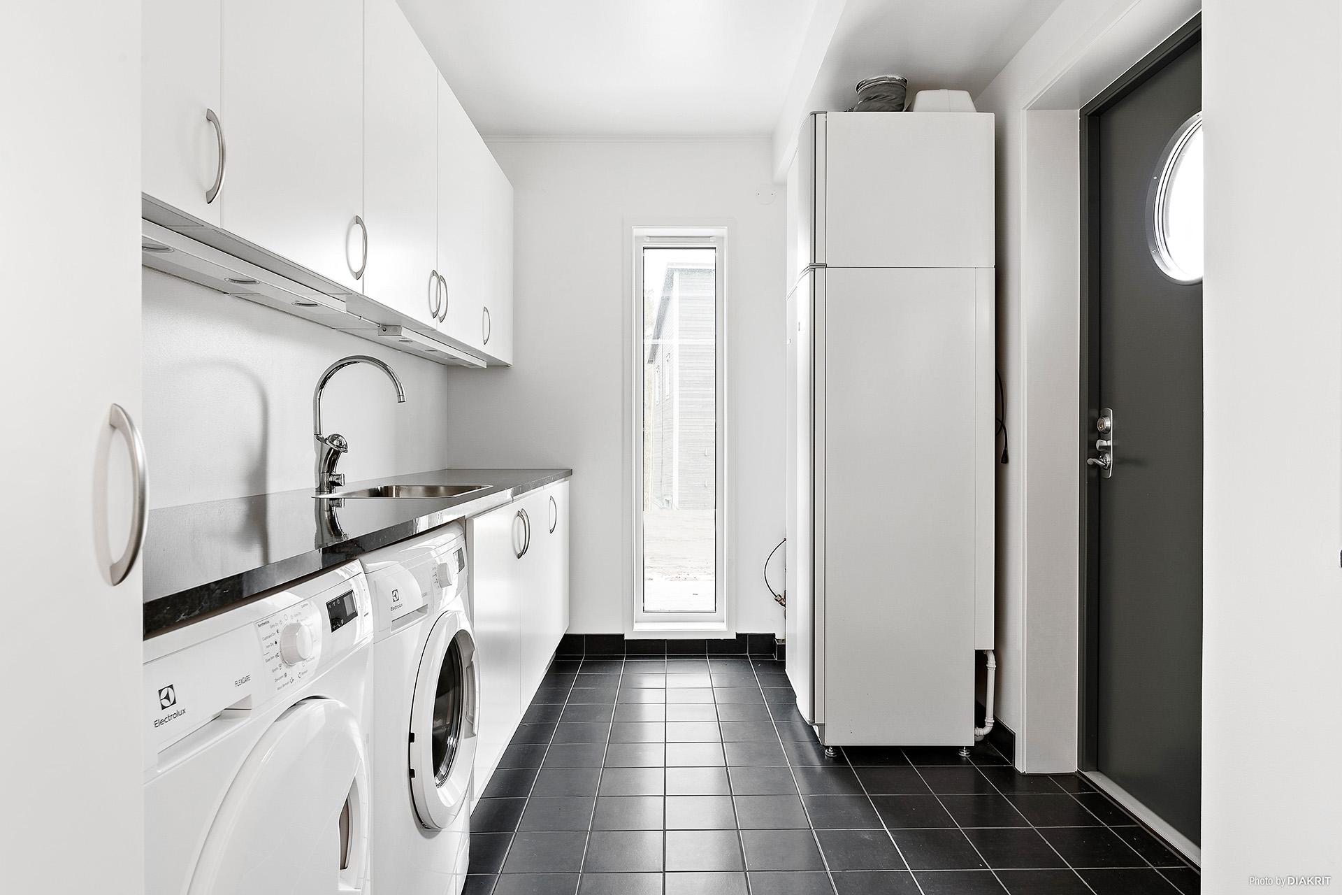 Tvättstuga med egen ingång