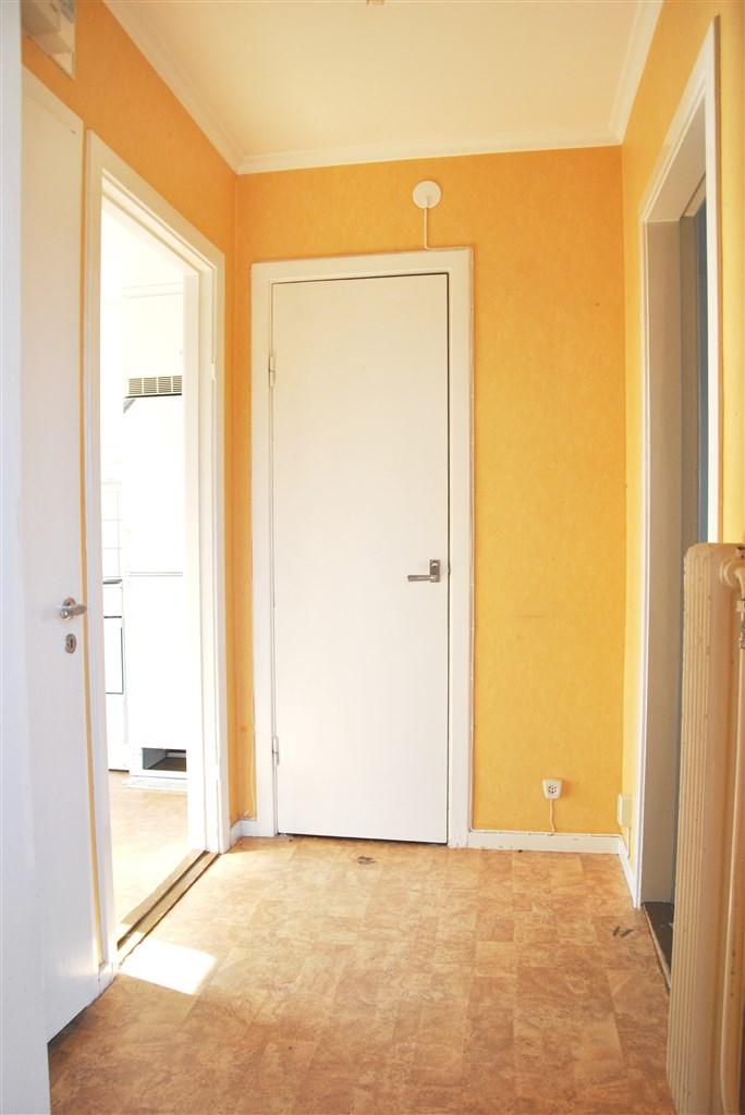Hall/passage (lilla lägenheten)