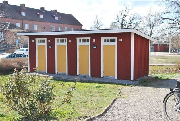 Förråd och tvättstuga i separat byggnad (ganska nybyggd)