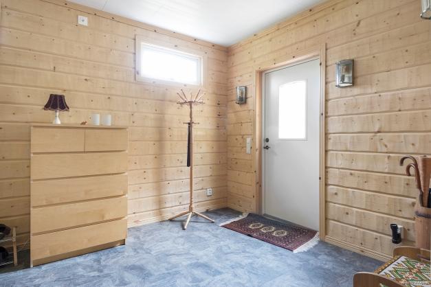 Tillbyggd hall med golvvärme