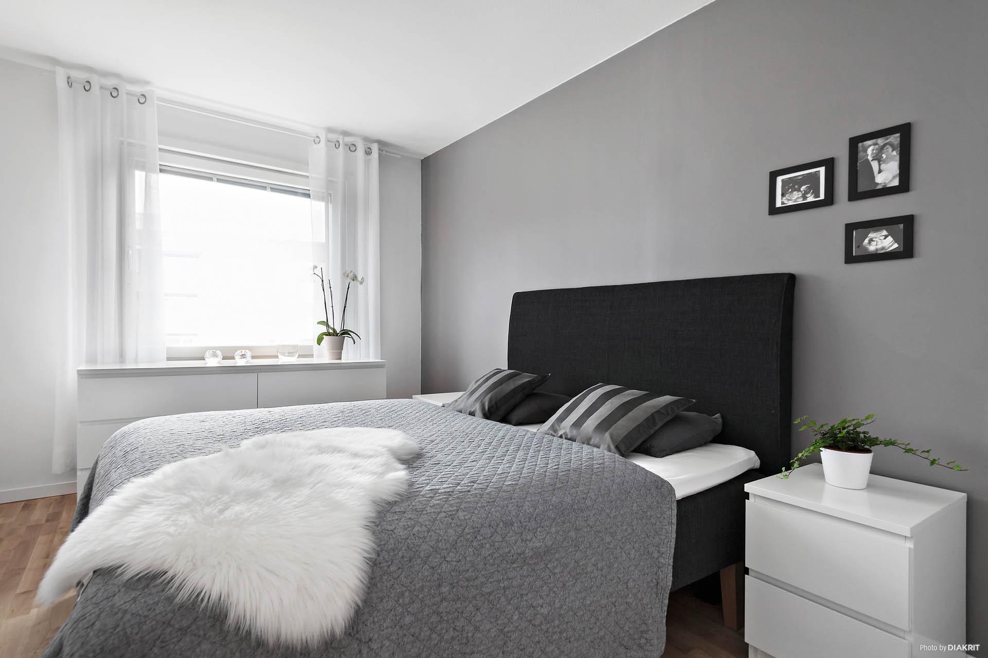 Harmoniskt sovrum, 3 st garderober finns