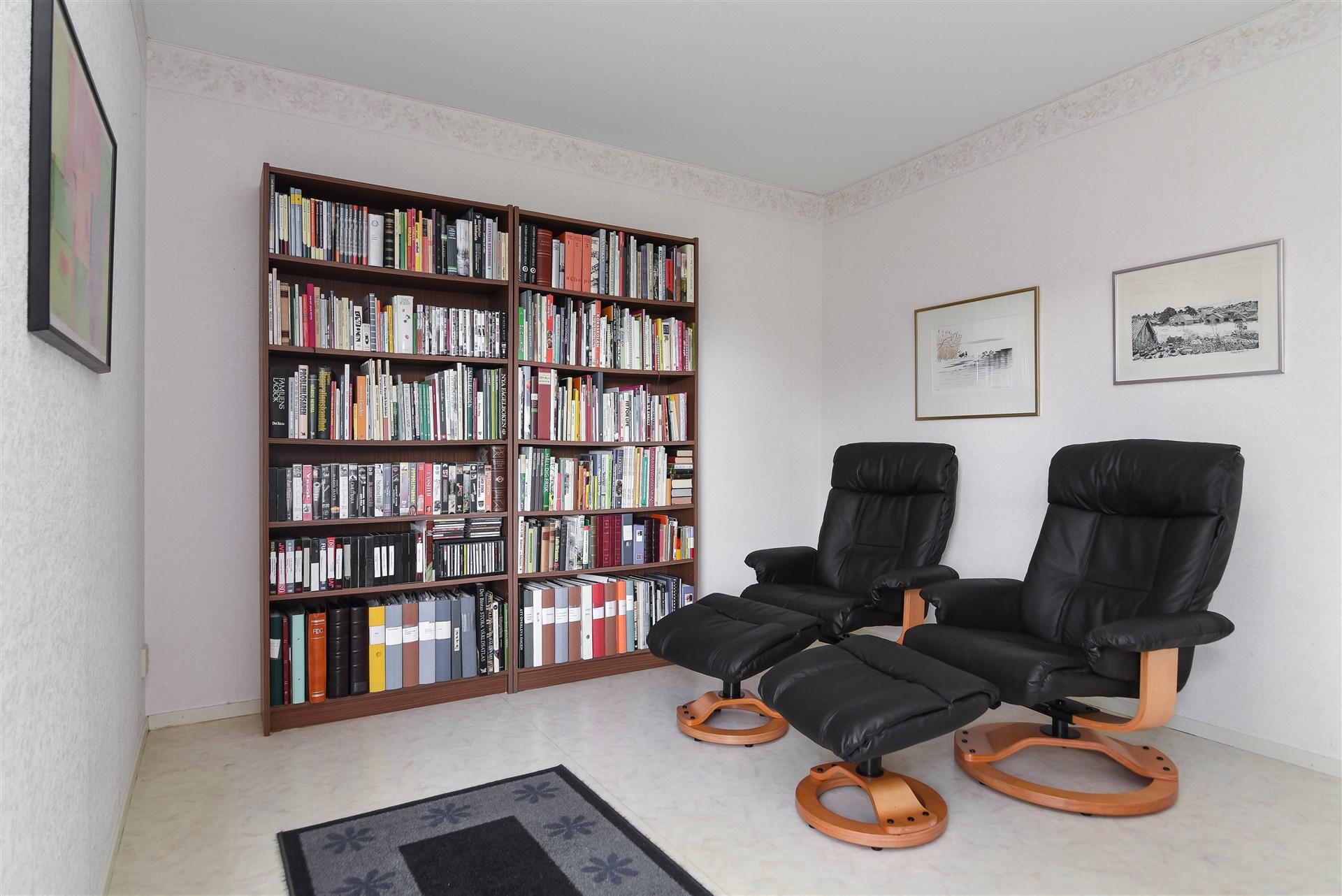 Sovrum / bibliotek