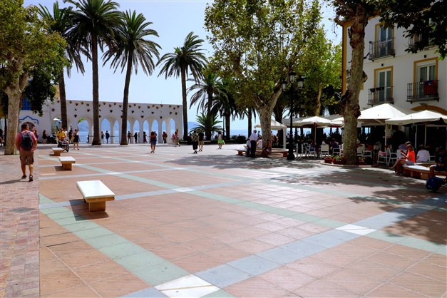"Nerja - Walking distance to ""Balcón de Europa"""