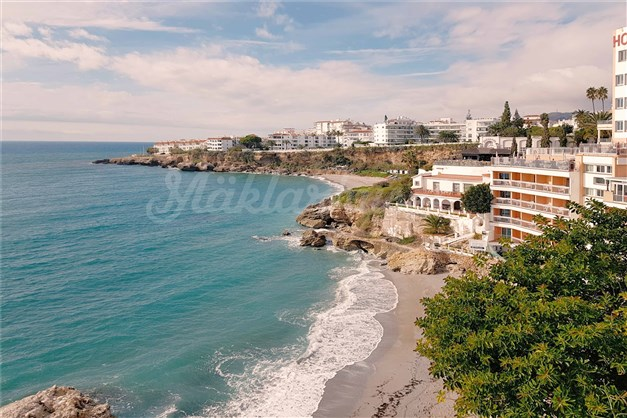 Nerja - Walking distance to several beaches