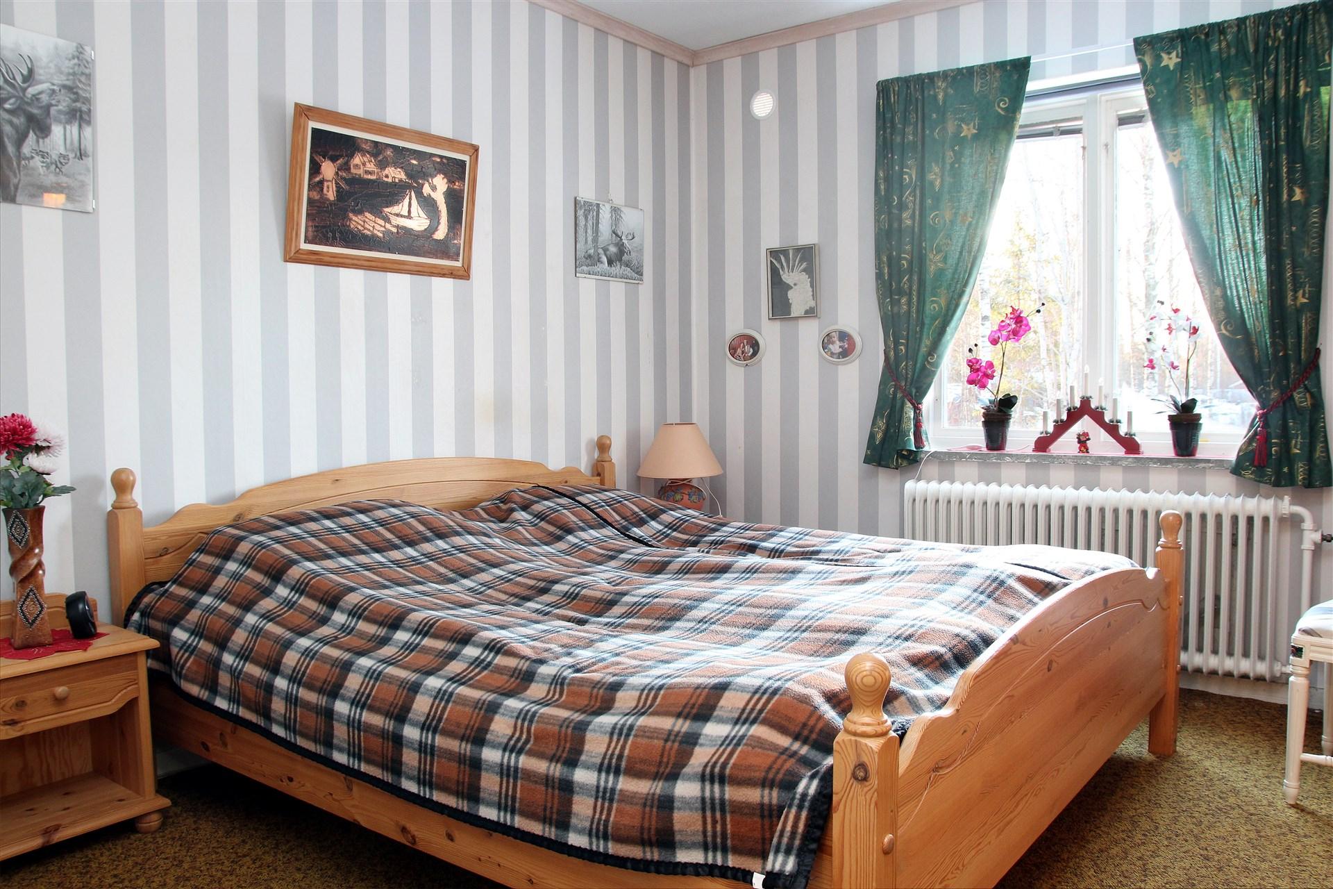 Det ena av de två sovrummen