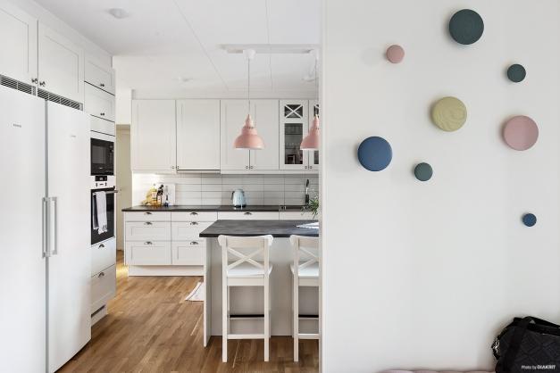 Köket till höger från entrén