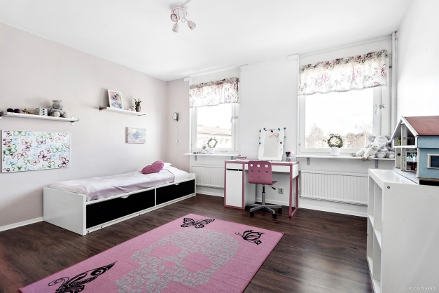 Sovrum 2 som kan delas av till två sovrum